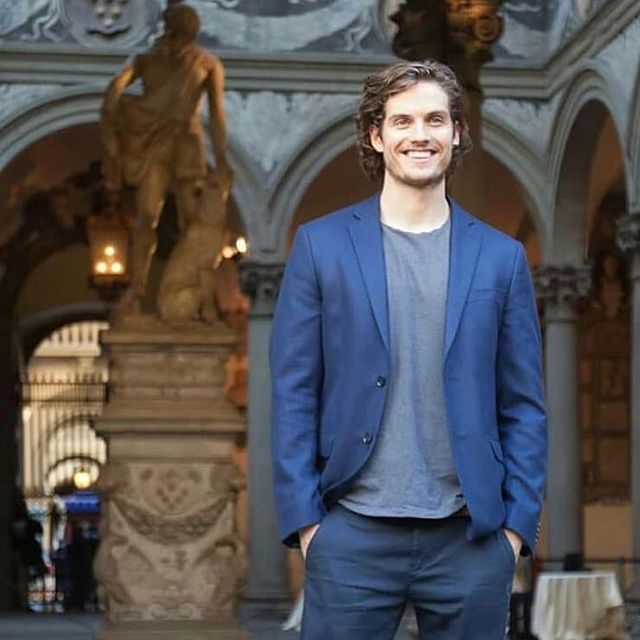 Daniel Sharman flaunts his tall height in the sets of Medici